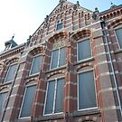 Oost-Indisch Huis - Bushuis Amsterdam by steppeland