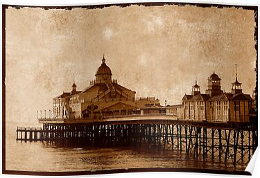 Eastbourne Pier, Sussex, UK by buttonpresser