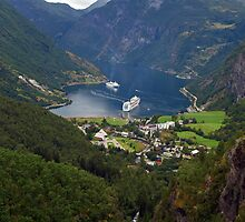 Geiranger, Norway by Lee d'Entremont
