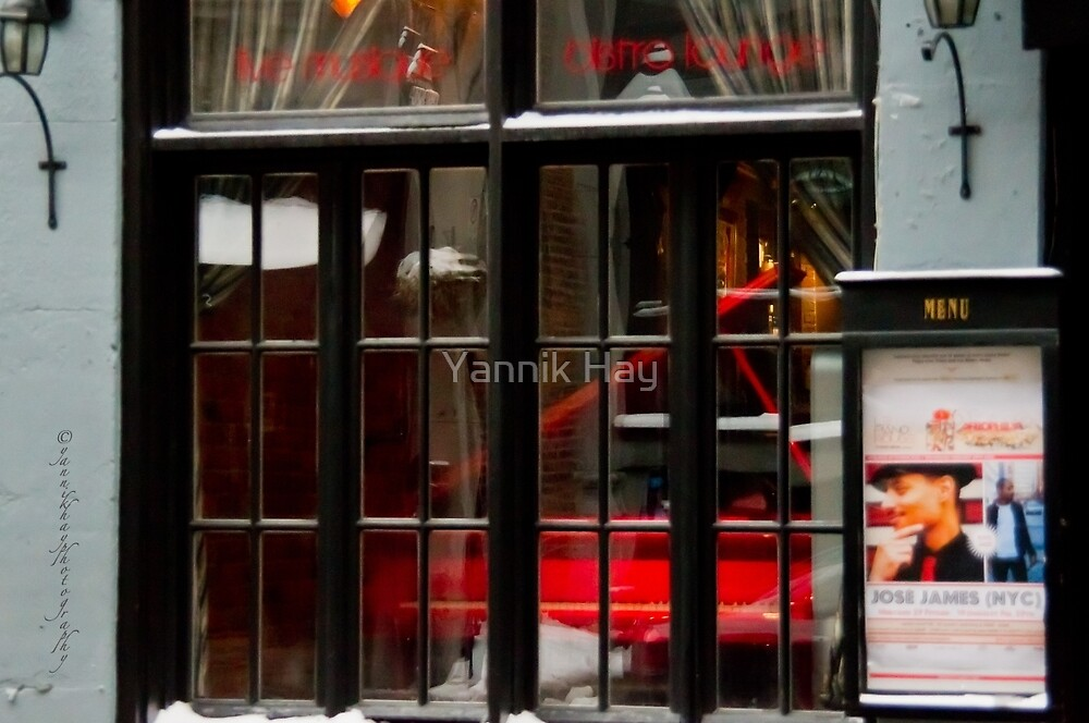 Le Piano Rouge - Old Montreal by Yannik Hay