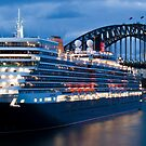 Queen Elizabeth in Sydney by Mark Goodwin