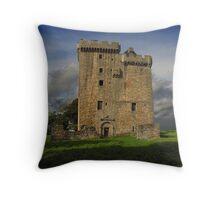 clackmannan tower Throw Pillow