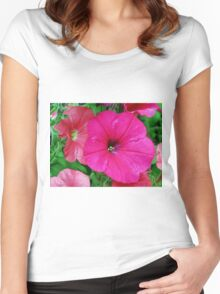 Vibrant Pink Petunia Macro Women's Fitted Scoop T-Shirt