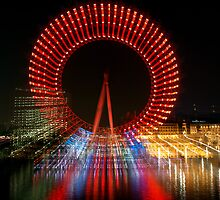 London Eye - Red Zoom by weglet