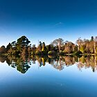 Sheffield Park Lake  by dobseh