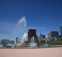 Chicago Skyline and Buckingham Fountain by Frank Romeo