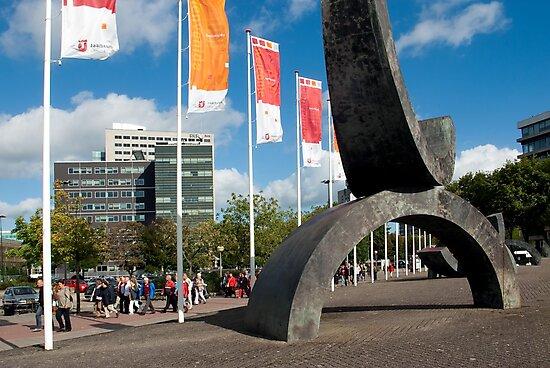 Entry walk to the Trade Fair Halls Utrecht by steppeland