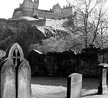 Creepy Edinburgh Castle  by garrethevans