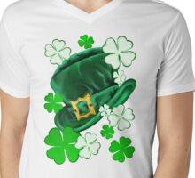 Irish Hat and Shamrocks  Mens V-Neck T-Shirt