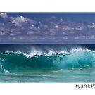 Keiki Shore Break, Oahu Hawaii by Ryan Epstein