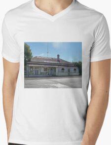 Rudd's Pub, Nobby, Qld, Australia Mens V-Neck T-Shirt