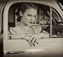 Leeloo Loren by Malcolm Katon