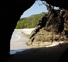 Cave - Princess Margret Beach, Bequai by moor2sea