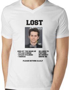 LOST POSTER - DYLAN O'BRIEN Mens V-Neck T-Shirt