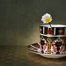 daisy cup.. by Michelle McMahon