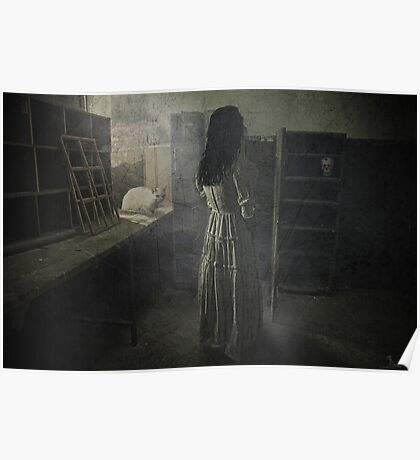 Scary places Poster