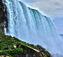 Niagara Falls by EblePhilippe