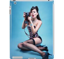 """Freeze"" Pin up Girl  iPad Case/Skin"