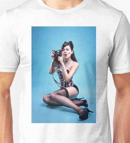 """Freeze"" Pin up Girl  Unisex T-Shirt"
