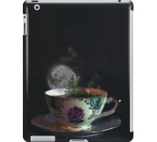 Imaginary voyage in a cup of tea iPad Case/Skin
