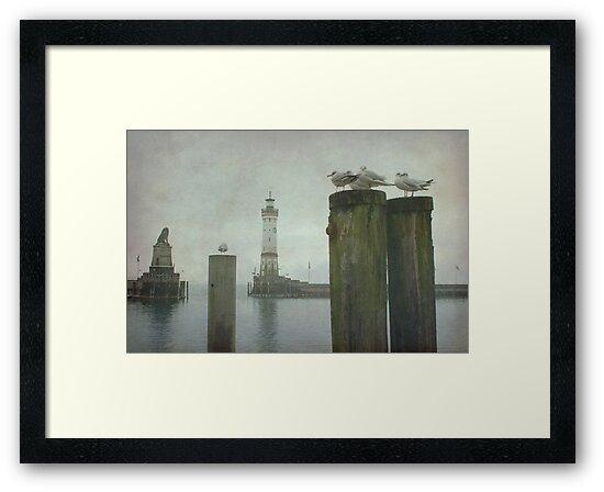 Lindau harbour by Iris Lehnhardt
