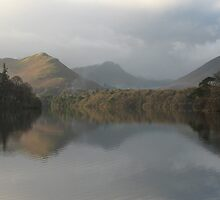 Derwentwater Reflections, Lake District, Cumbria (UK) by Peter  Thomas