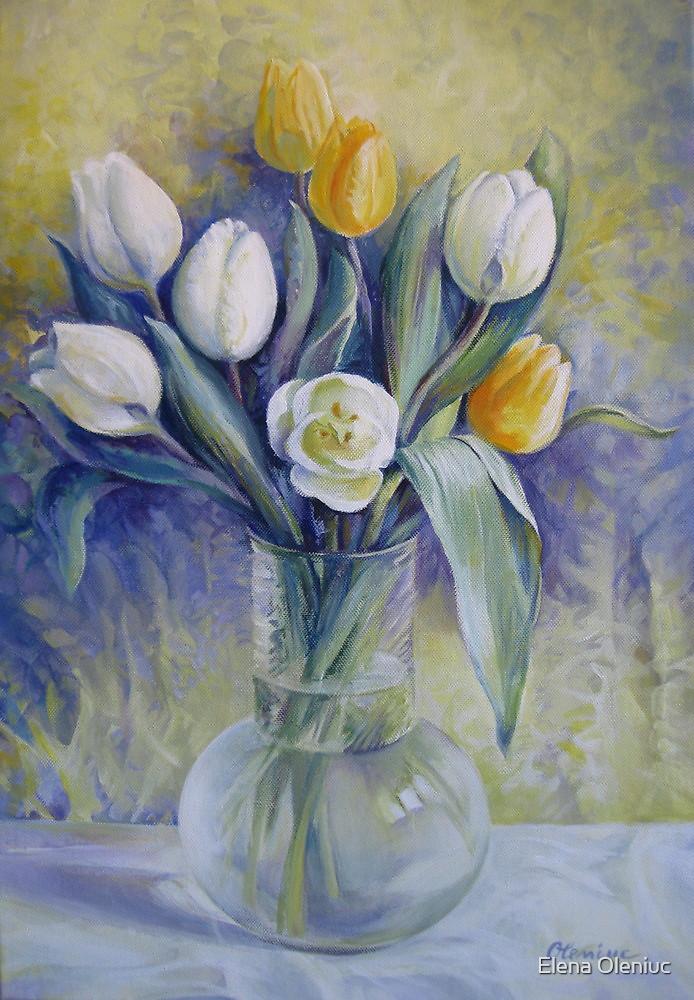 Vase with flowers by Elena Oleniuc