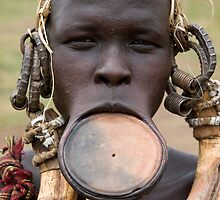 YOUNG MURSI WOMAN by Nicholas Perry