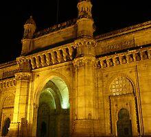 Gateway of India, Bombay at night by loewenherz