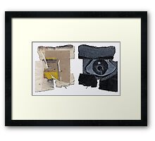 """IDées blanches : Double-face n°11 - Recyclage """"Oeil pour Oeil"""" Framed Print"""