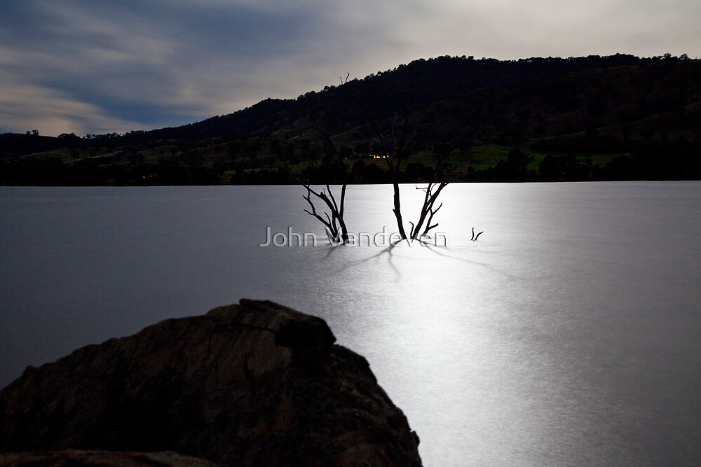 Moon rise by John Vandeven