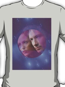 Mulder and Scully in a Triangle in a Circle in Space T-Shirt