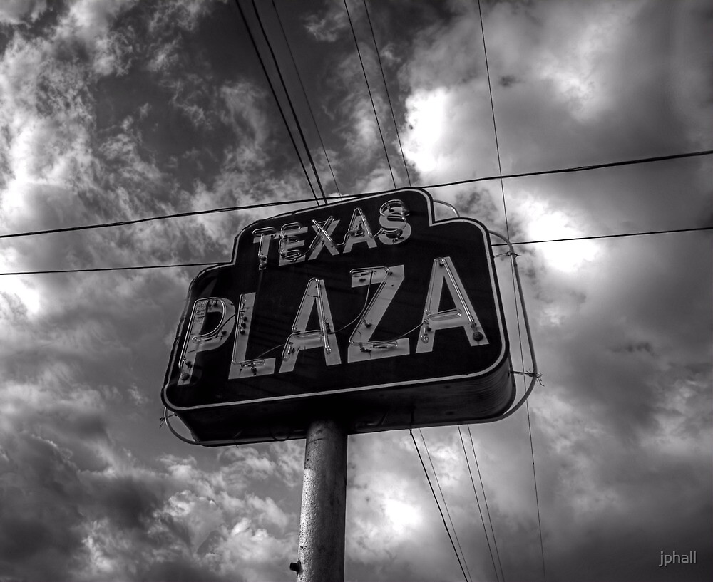 BW-12 - Texas Plaza by jphall