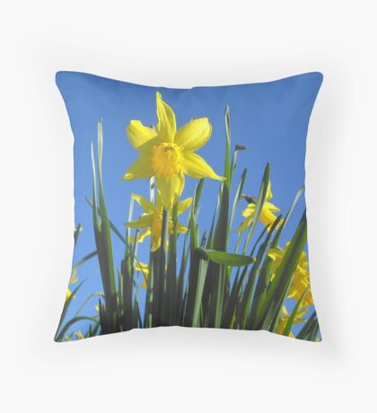 Delightful daffodils Throw Pillow