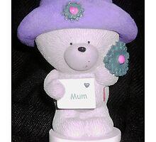 Mum Bear by Dawn (Paris) Gillies