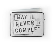 NEVER BE COMPLF Laptop Sleeve