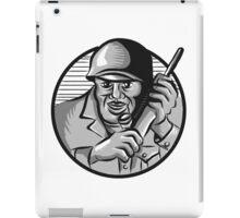 World War Two Soldier American Calling Radio Circle Etching iPad Case/Skin