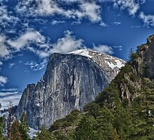 Half dome in Yosemite by Oliver Gunasekara