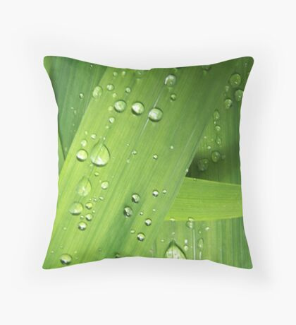 sprinkled greens Throw Pillow