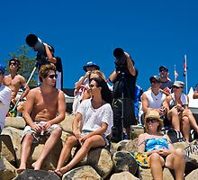 Spectator enthusiasm at Quiksilver Pro by Gavin Lardner