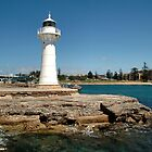 Wollongong Harbour Lighthouse by bdimages
