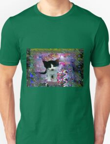Black and white kitten in a wonder world tee T-Shirt