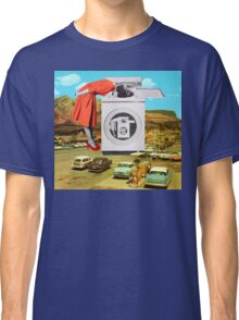Watching machine Classic T-Shirt