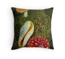 Think left & think right Throw Pillow