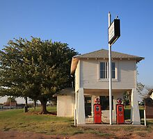 Route 66 - Lucilles Gas Station by Frank Romeo