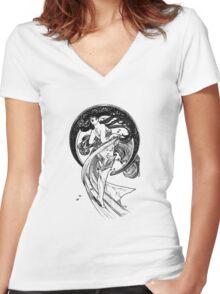 Mucha Dance Women's Fitted V-Neck T-Shirt