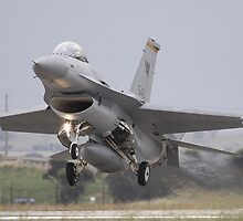 F - 16c Touch Down by Gildarossi