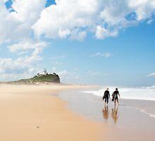 Nobbys Beach by Linda Lees