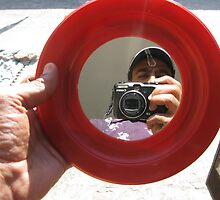 Fotographer in my hand by Bobby Dar