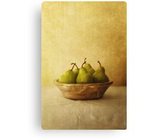 Pears in a wooden bowl Canvas Print